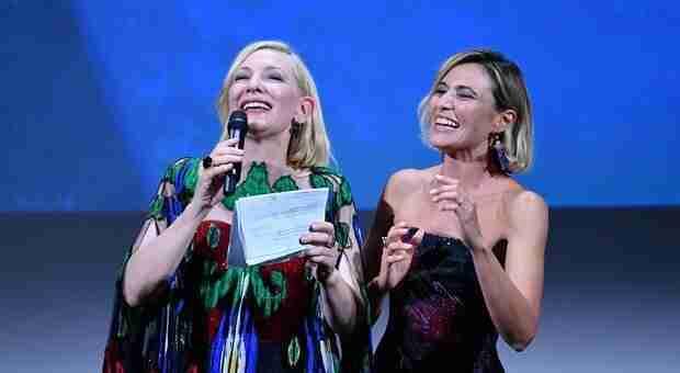 Nomadland è il vincitore del Leone d'Oro della Mostra del Cinema di Venezia 2020.
