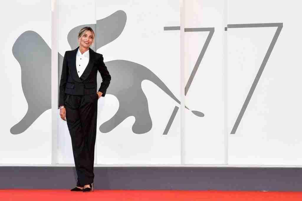 Venezia77 è in corso e la cerimonia di premiazione si svolgerà il 12 settembre. Scopriamo insieme tutti i film in gara per il Leone d'Oro