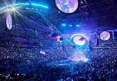 Coldplay a Seattle omaggiano i Pearl Jam